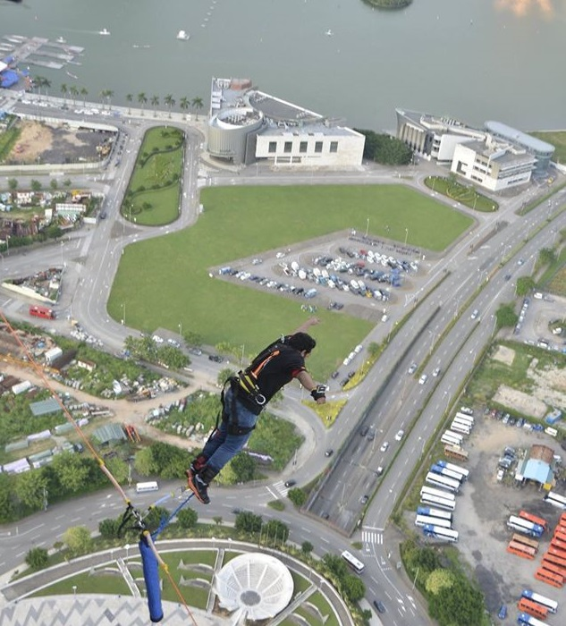 world's highest bungy jump from Macau Tower , Macau